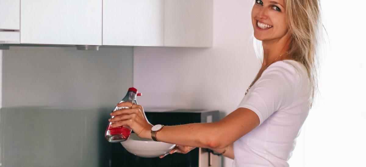 In 10 Schritten zu weniger Plastik: Das kannst du im Alltag wirklich tun!