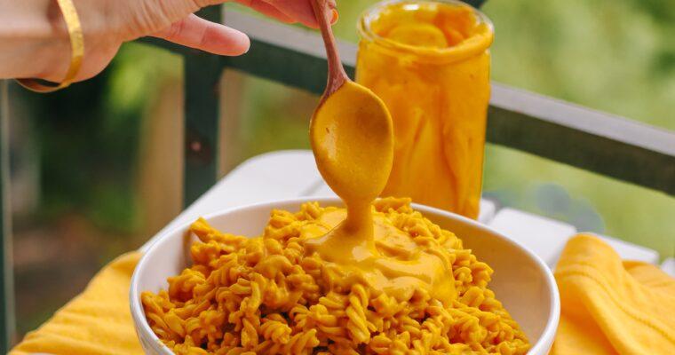 Die cremigste vegane Mac n' Cheese mit Kürbis – einfach, gesund und lecker (unter 30 Minuten)