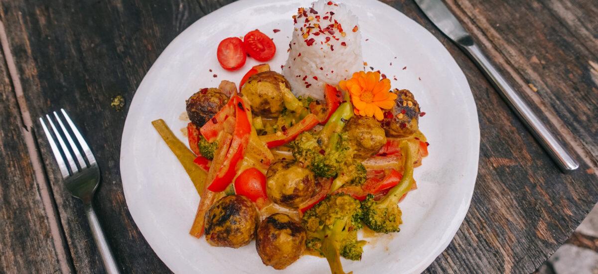Indisches Gemüsecurry mit Plant Balls
