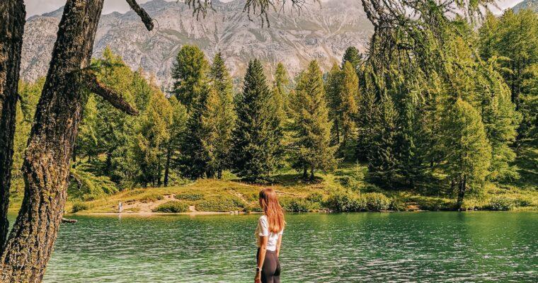 Verschnaufpause in den Bündner Bergen – Bergsee-Wanderung, Panoramafahrt & veganes Essen